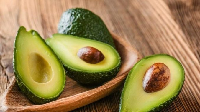 20 Amazing Health Benefits of Eating Avocados